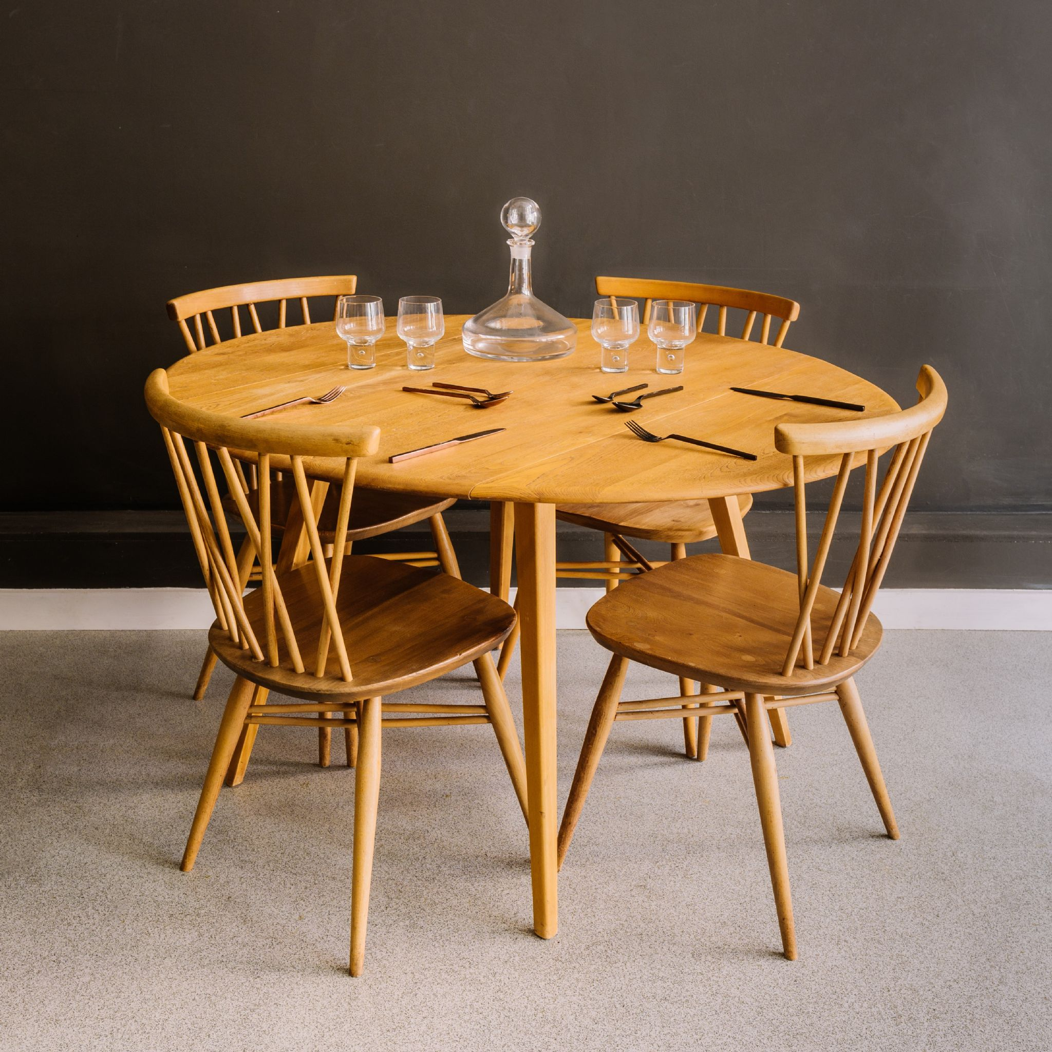 Ercol drop leaf dining table for Drop down leaf dining table